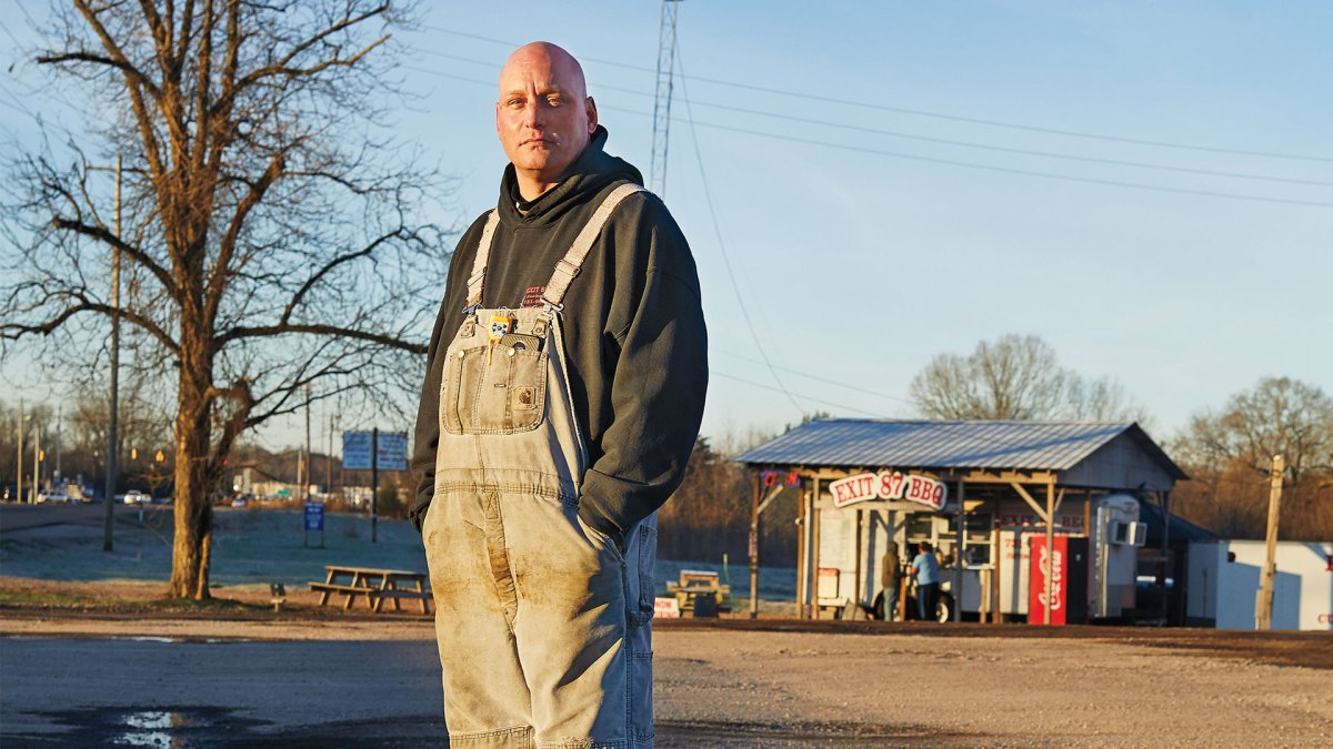 The Convicted Felon Who Became the King of Roadside BBQ