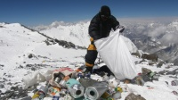 mount everest cleanup