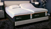 tempur-pedic-tempur-luxeadapt-firm-mattress-lifestyle__82008.1541448120.1280.1280
