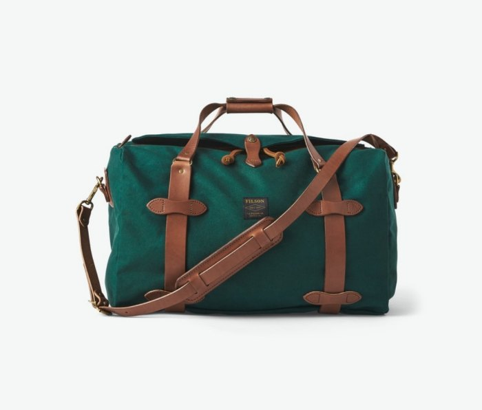 Filson medium sturdy twill travel bag for the gym