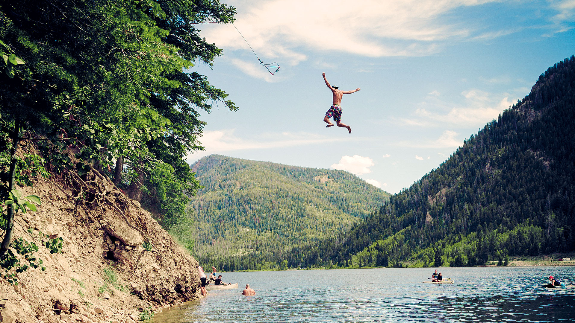 How to Have the Ultimate Summer Lake Escape