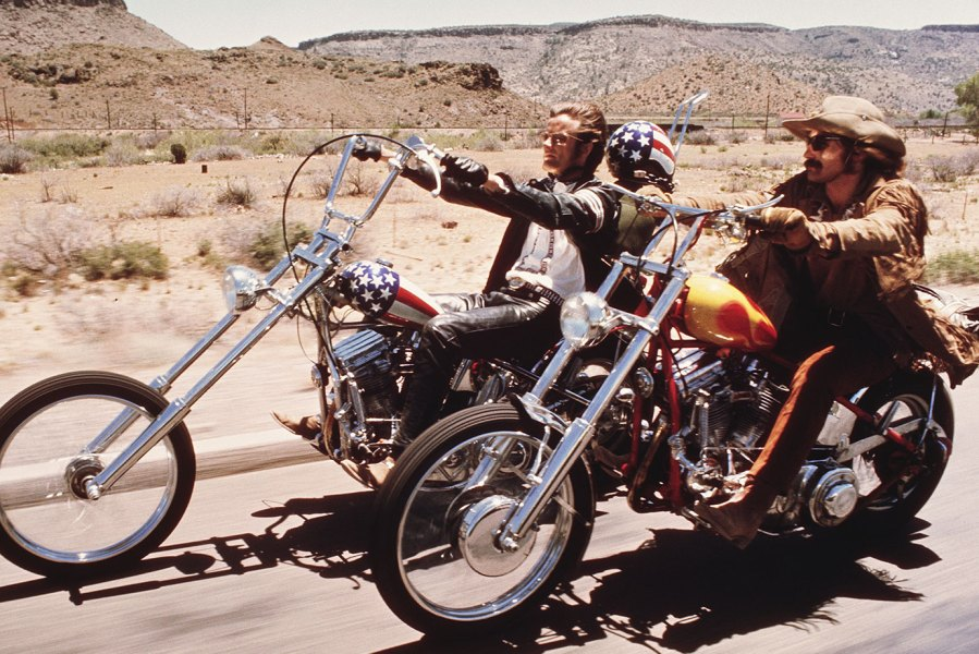 American actors Dennis Hopper and Peter Fonda ride through the Desert on motorcycles in a scene from the film 'Easy Rider', directed by Hopper, 1969. (Photo by Silver Screen Collection/Hulton Archive/Getty Images)