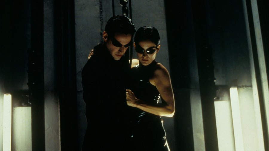 Matrix 4 - Film and Television The Matrix, Keanu Reeves, Carrie-anne Moss 1999