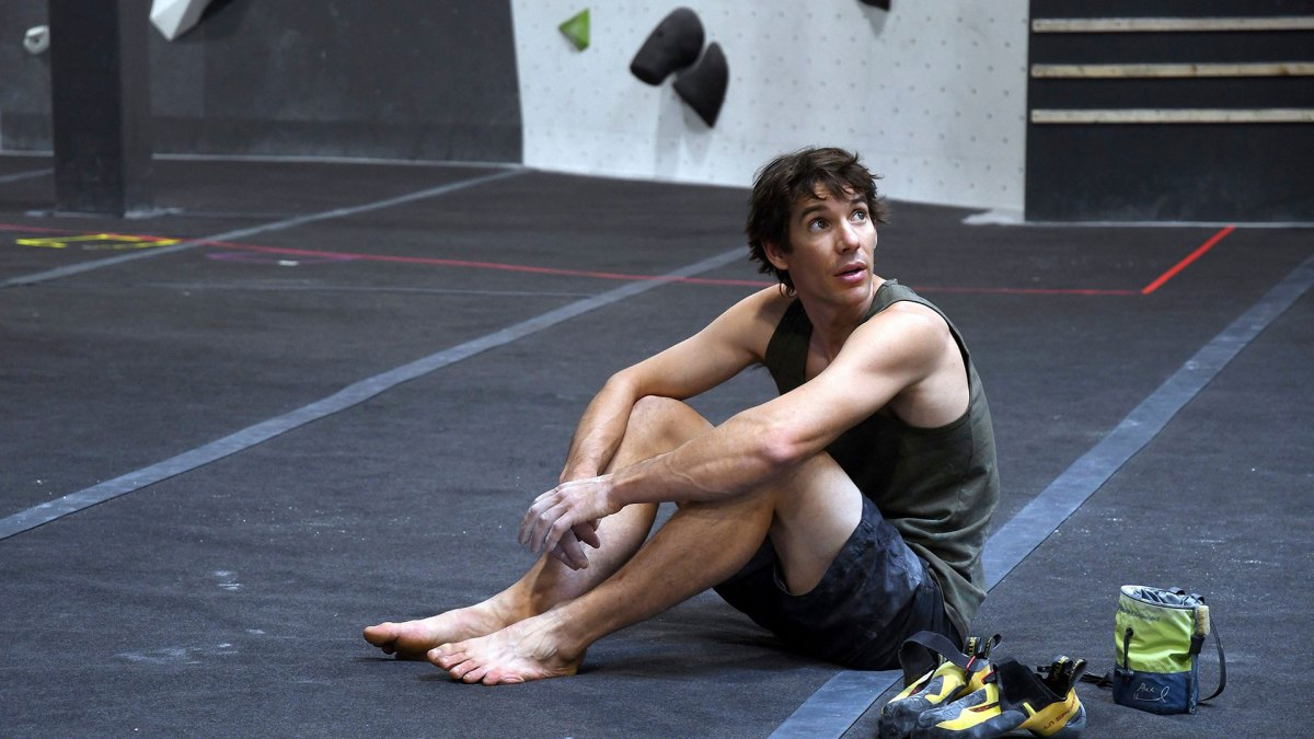 'Free Solo' Star Alex Honnold Goes Nude for ESPN's 'Body Issue'