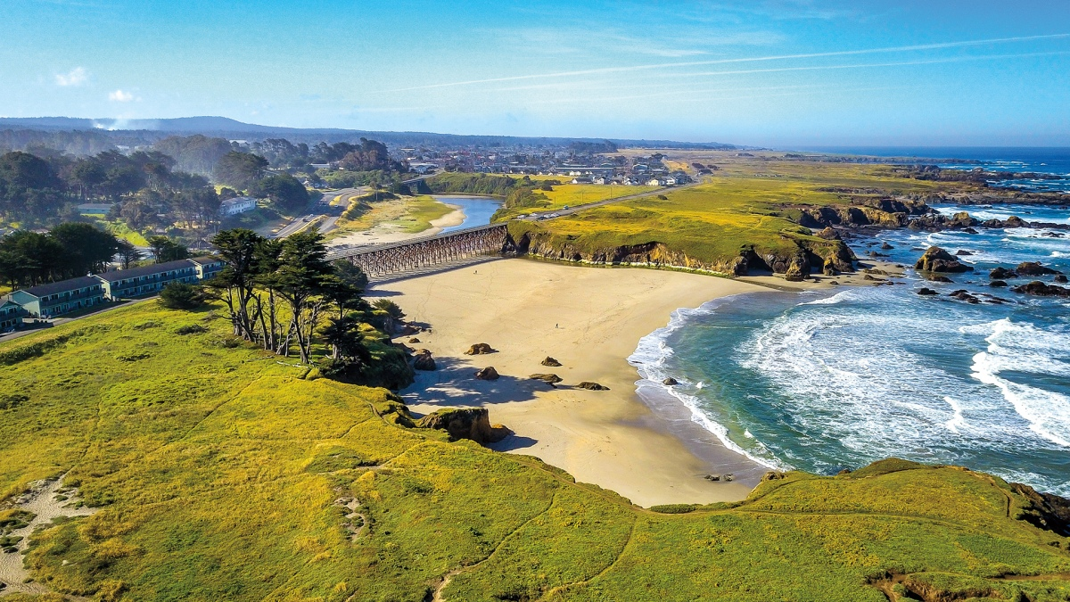 Whitewater Kayaking, Cliffside Wine Tasting, and Strange Wilderness: The 4-Day Weekend in Fort Bragg