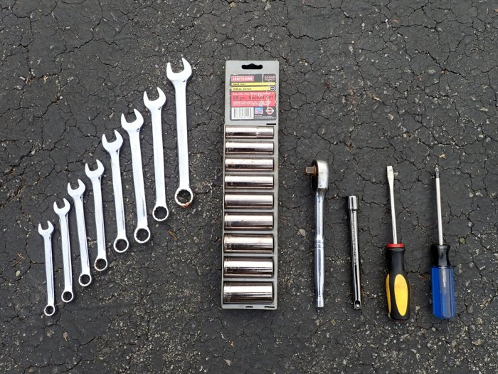 Wrenches, sockets, ratchet, extension, flat head, Phillips head