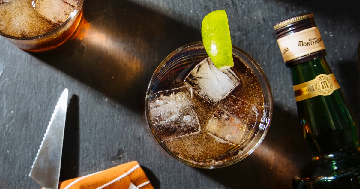 Best Thanksgiving Drinks, According to Bartenders and Other Experts
