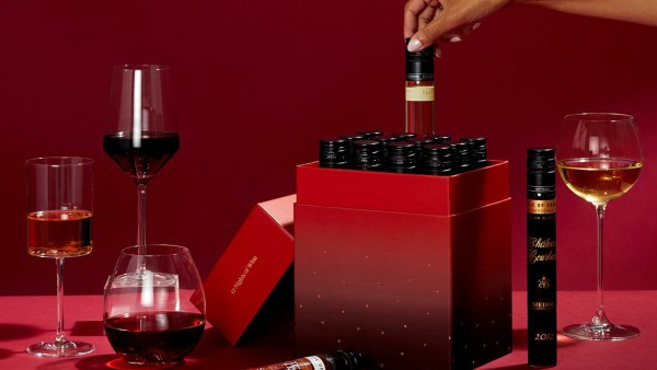 12 Nights of Wine Advent Calendar; boozy advent calendars