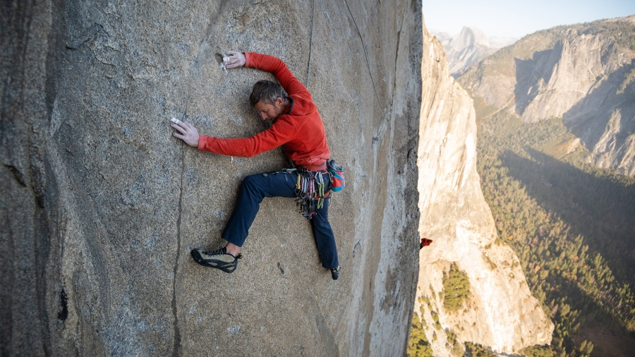 Tommy Caldwell climbing El Cap via the Passage to Freedom
