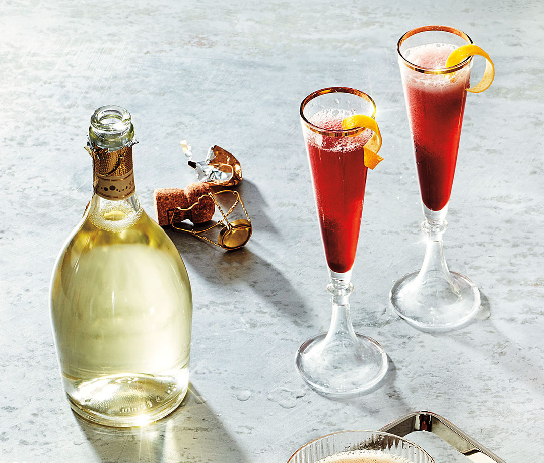 Home.fit cocktails-2 The Best Champagne Cocktails to Make for Holiday Parties