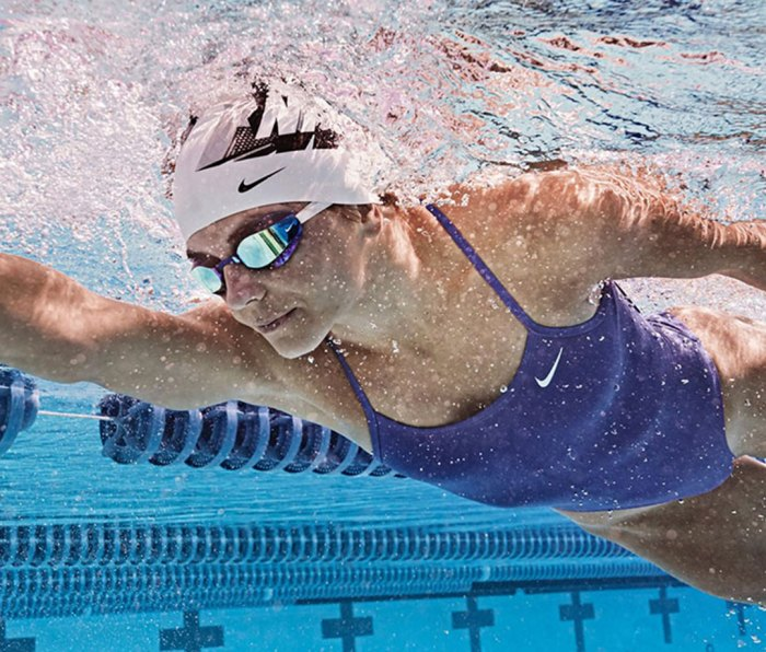 Team USA Diver Kassidy Cook wearing the Nike Vapor Mirror goggle