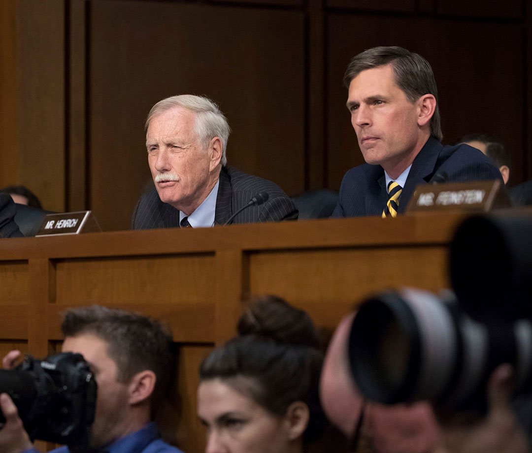 Heinrich and Maine senator Angus King attend a 2017 Senate Intelligence Committee hearing.
