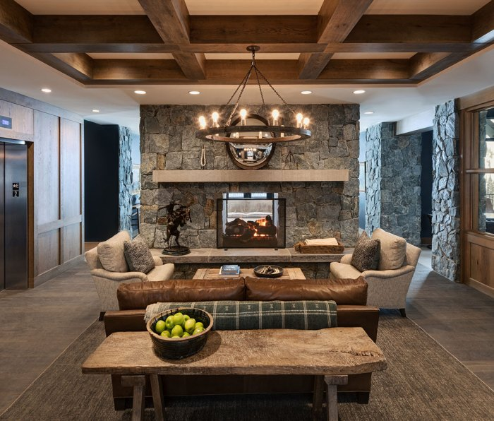 The lobby of the Snowpine