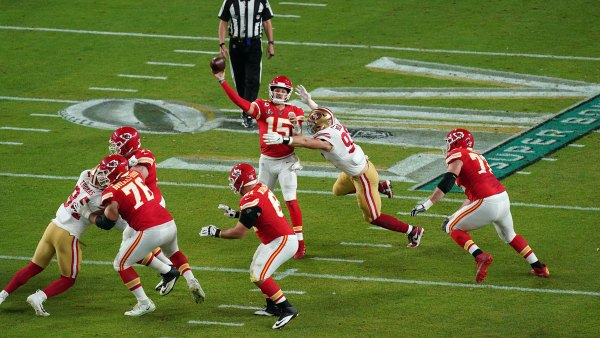 Kansas City Chiefs and San Francisco 49ers, Super Bowl LIV, Hard Rock Stadium, Miami USA - {0day} Feb 2020 Kansas City Chiefs quarterback Patrick Mahomes (15). 2 Feb 2020