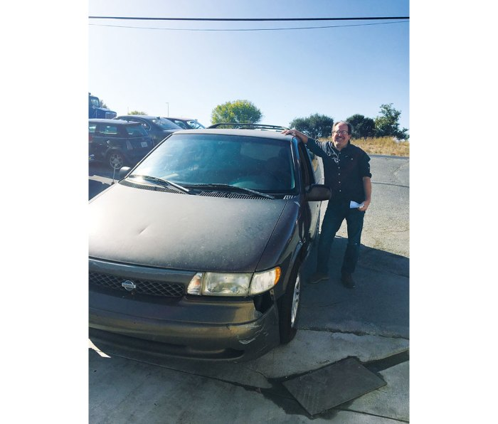 The author bids farewell to his beloved 1996 Nissan Quest.