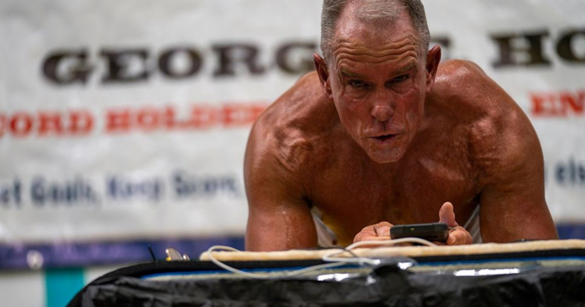 This Former Marine Planked for 8 Hours and Set a World Record