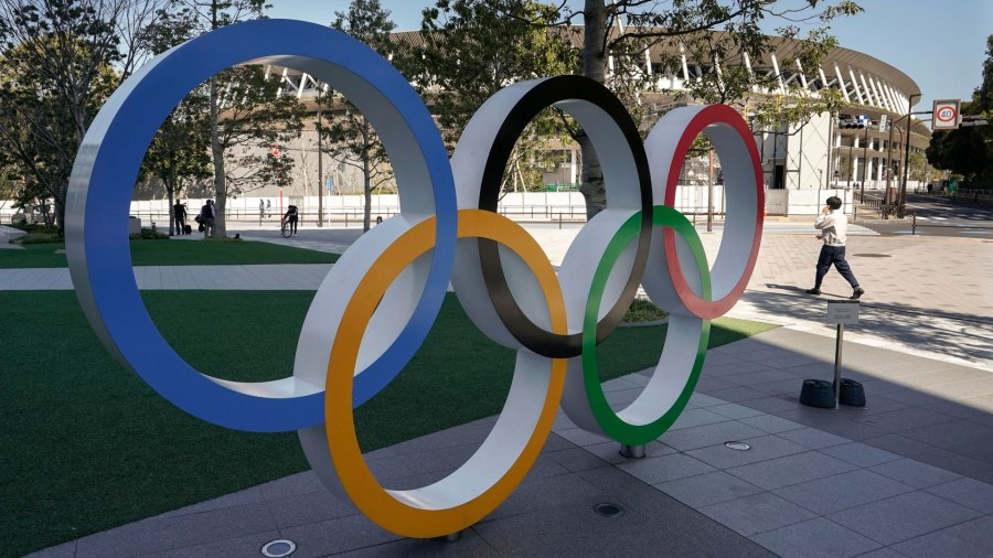 Coronavirus in Japan, Tokyo - 18 Mar 2020 The Olympic Rings, displayed at Japan Olympic Committee, in Tokyo, Japan, 18 March 2020. Japanese Prime Minister Shinzo Abe is still considering holding the Tokyo Olympics as scheduled despite the current coronavirus pandemic. 18 Mar 2020 Image ID: 10586899f Featured in: Coronavirus in Japan, Tokyo - 18 Mar 2020 Photo Credit: KIMIMASA MAYAMA/EPA-EFE/Shutterstock