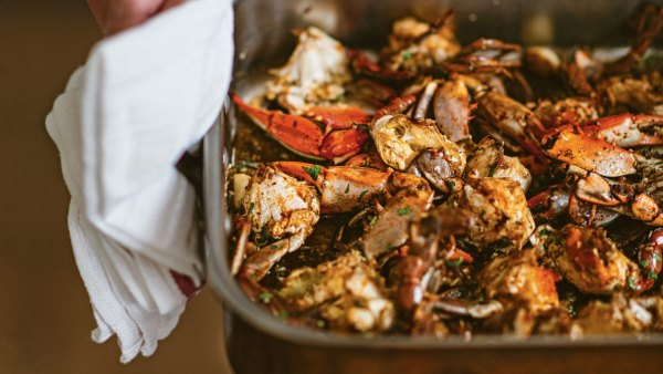 Garlic Crabs, Excerpted from 'Mosquito Supper Club' by Melissa Martin