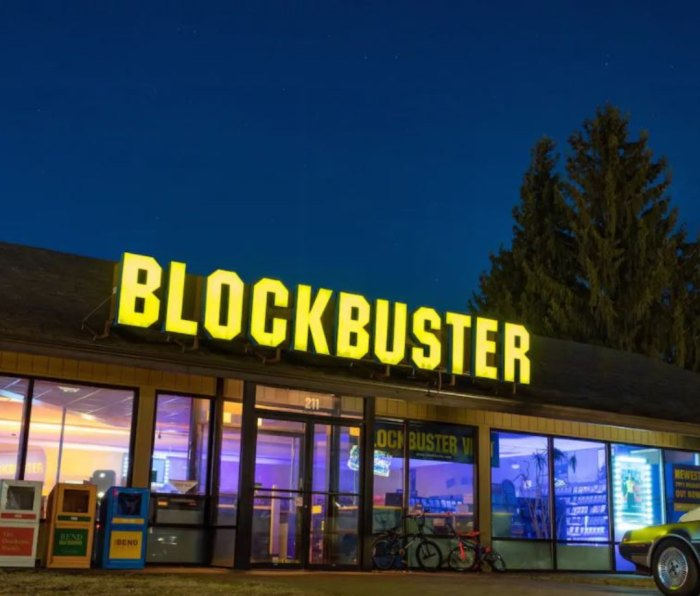 Exterior of Blockbuster at night