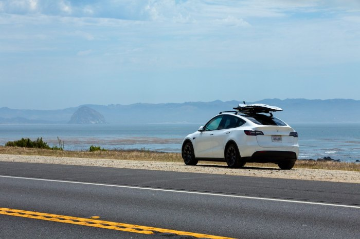 Testing the Tesla Model Y on an all-electric California surf trip morro