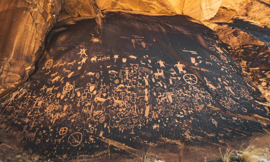 Newspaper Rock Indian Creek State Park