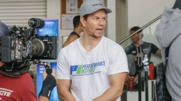 Mark Wahlberg shares eight fitness tips to help you kickstart the New Year.