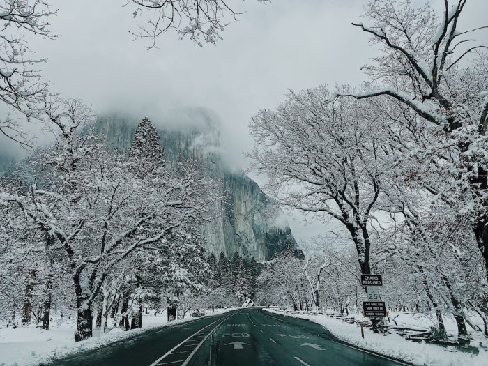 snow in Yosemite