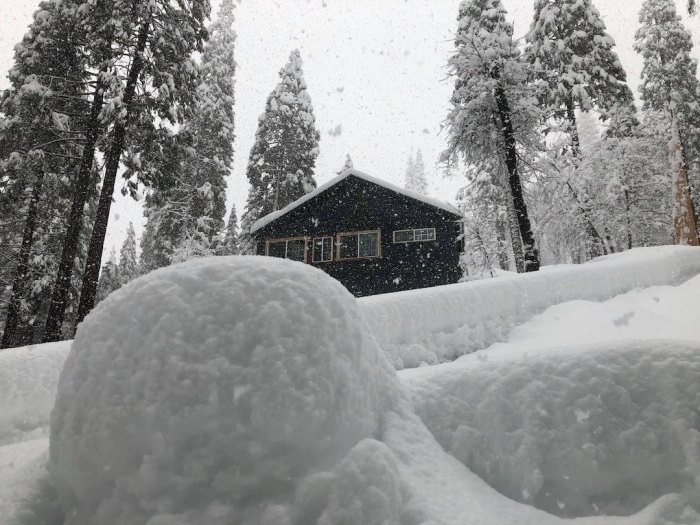 heavy snowfall in Sugar Pine