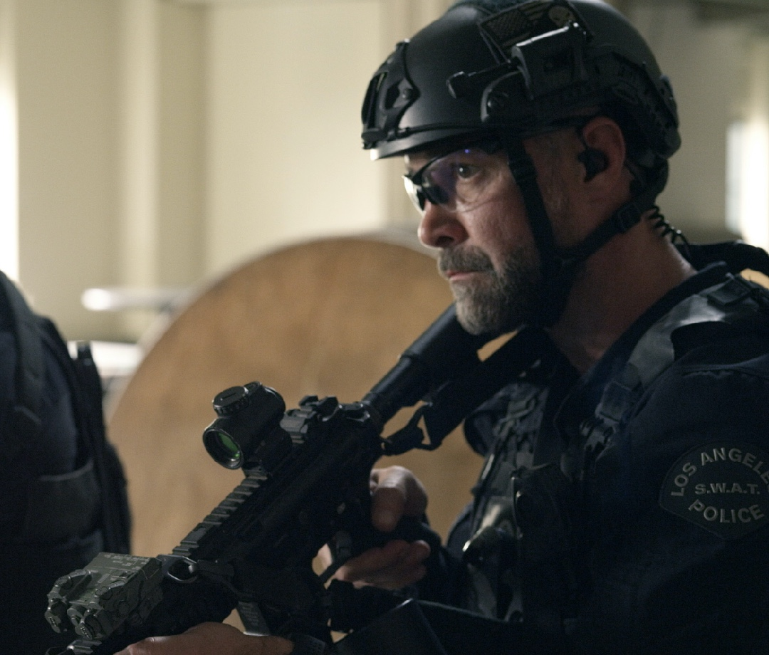 Jay Harrington in S.W.A.T.