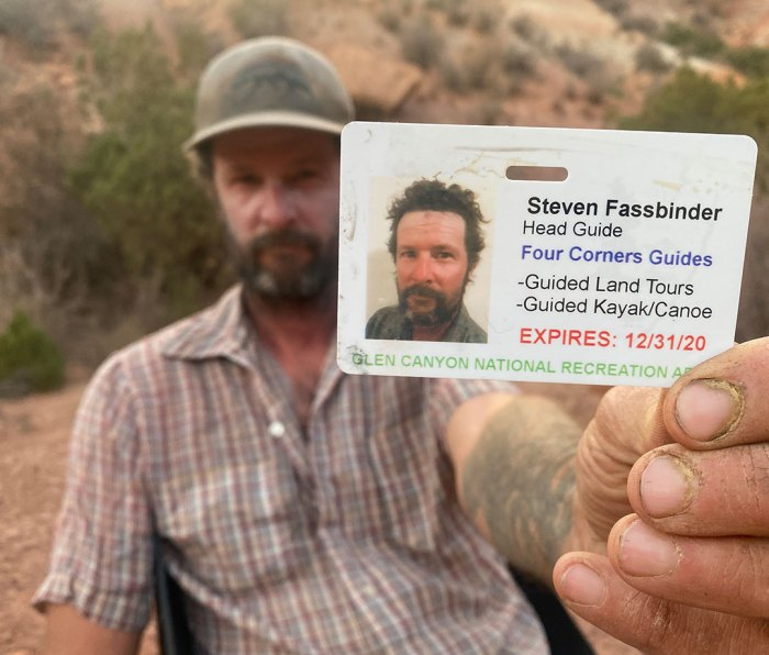 Steve Fasssbinder holding his guide card