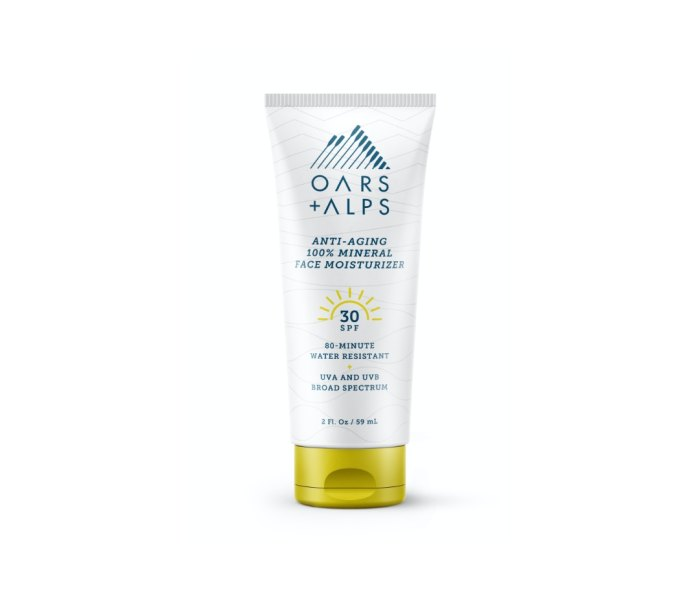 Oars + Alps 100% Mineral Anti-Aging Face Moisturizer With SPF 30 mineral sunscreens