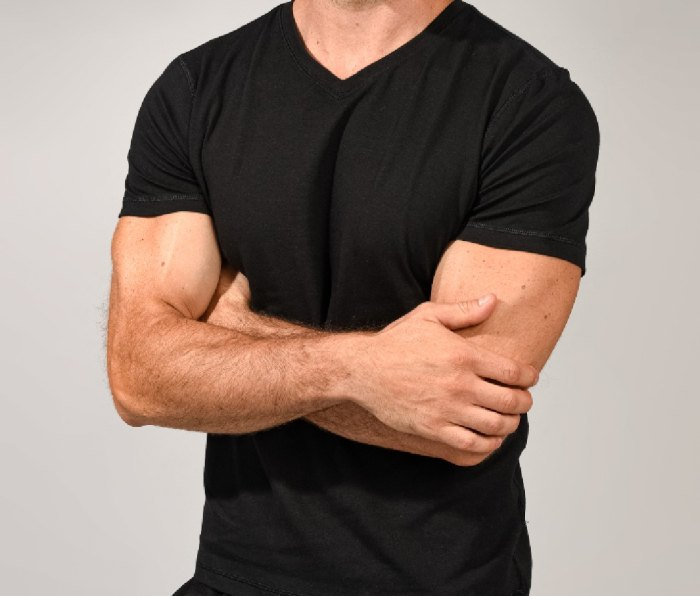 Made from 58% cotton, 37% modal, and 5% spandex, you'll love the use of modal in this 90 Degree By Reflex Men's Super Soft V-Neck Short Sleeve T-Shirt, which allows for breathability and sweat- and moisture-wicking.