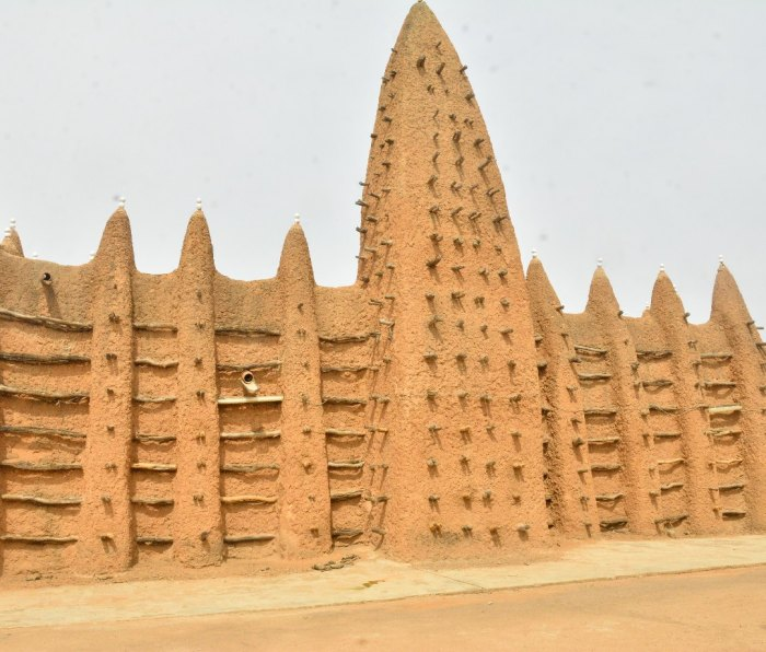 A Sudanese-style mosque in northern Côte d'Ivoire.