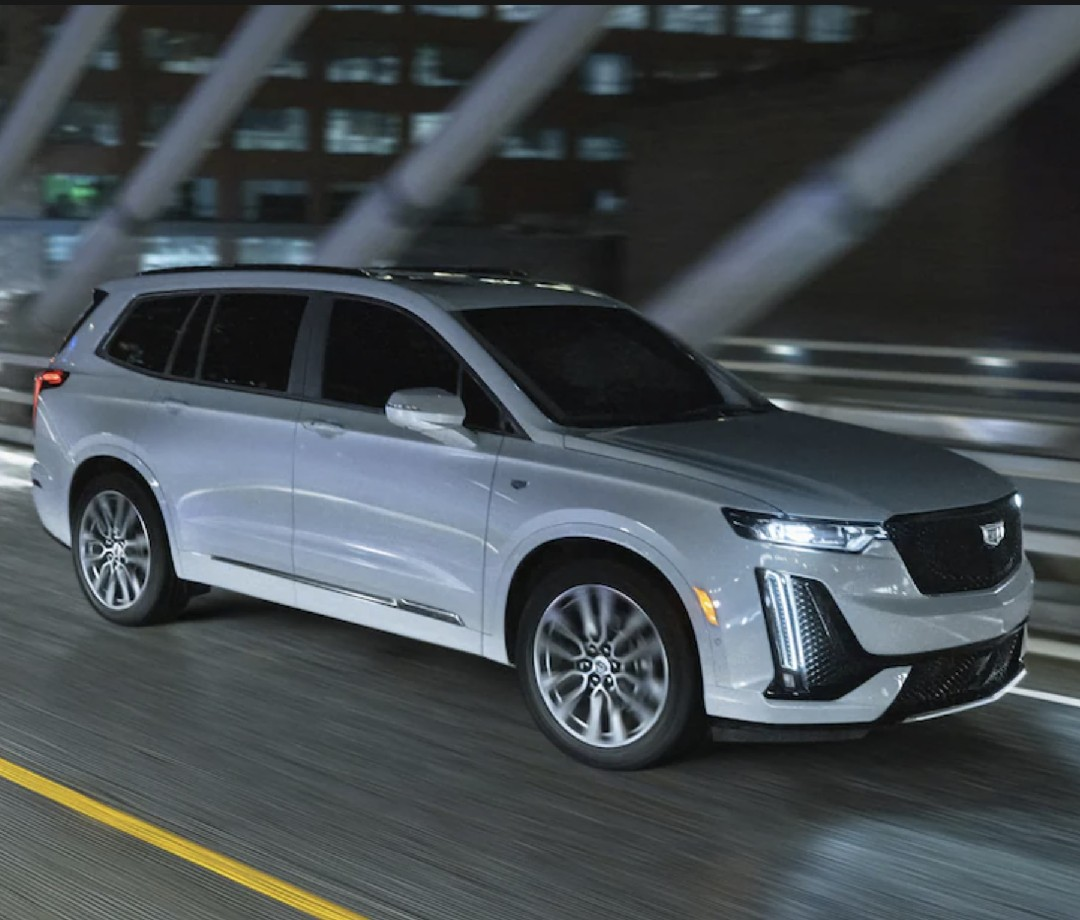 But an SUV of this size needs the 3.6-liter V6, which gets the XT6 to 60 mph in 7.3 seconds.