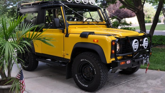 1994 Land Rover Defender 90 car auctions