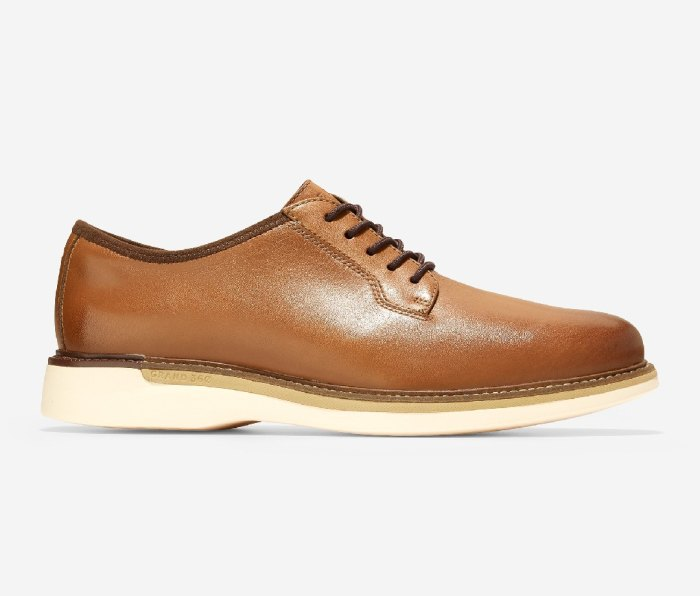 COLE HAAN Grand Ambition Postman Oxford
