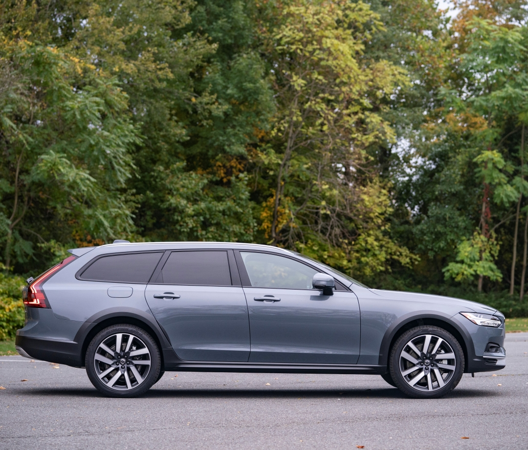 72 Hours With the 2021 Volvo V90 Cross Country