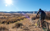 bike-photo-with-rider-and-mountain-7a556826-db5e-46f5-9e9b-15616f1de369
