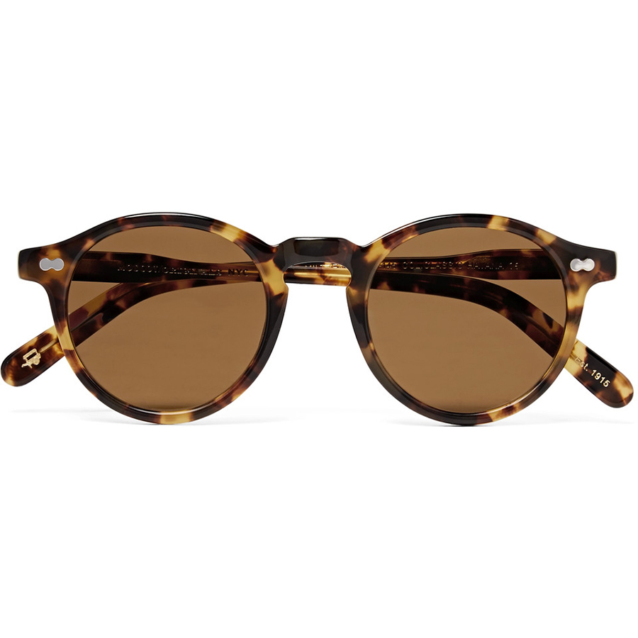 b7941a13b36ef Why You Can t Wear the Same Sunglasses in Fall That You Wore All Summer