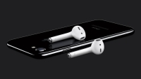 iphone-airpod-review-rolling-stone-e1fb94db-2b99-4279-aabf-b7a41e4ca616