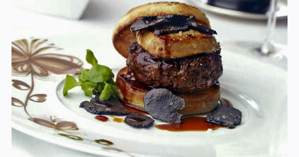 9 Insane Burgers We Dare You To Try Men S Journal
