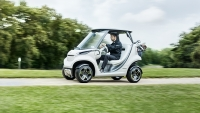 mercedes-benz-style-edition-garia-golf-car_09-bcaf7579-3b64-4bf0-bea9-18d8e717c98e