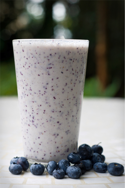 3. Blueberry-Oatmeal Smoothie