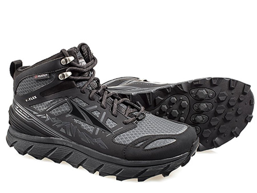 9 Best Light Hikers for Spring 2018