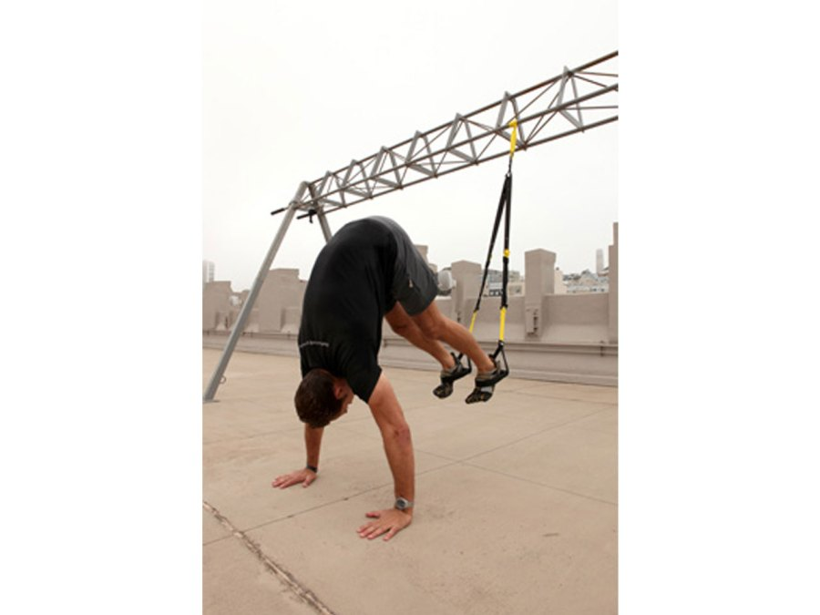 3. TRX atomic pike (TRX straps at mid-length)
