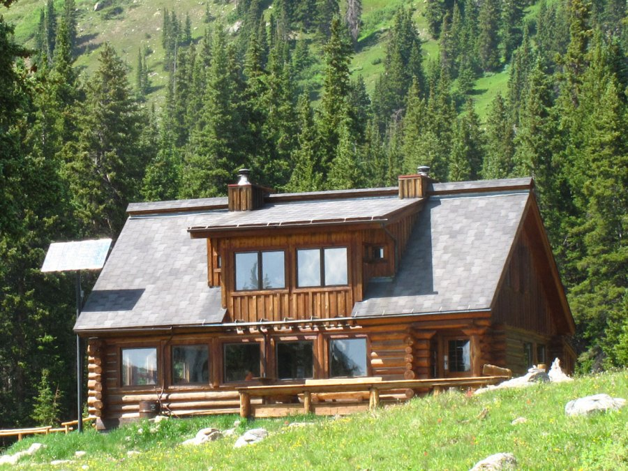 5 Cozy Backcountry Lodges to Explore the Wilderness Like Never Before