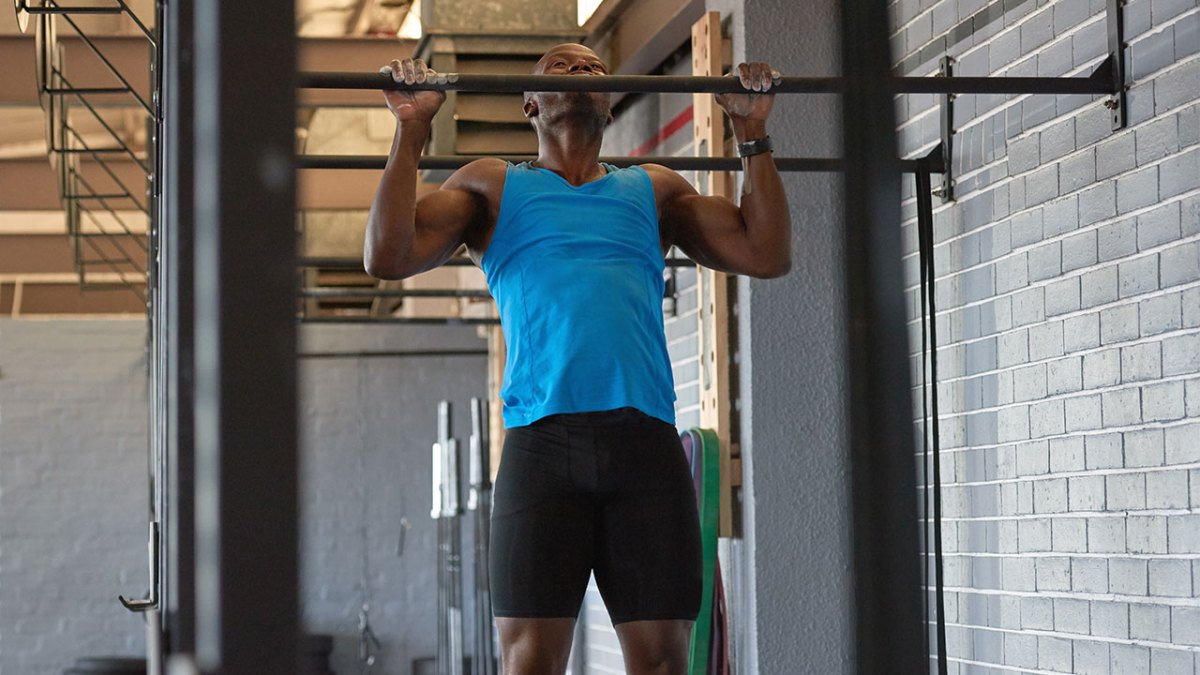 Exercise face-off: Pullup vs. chinup