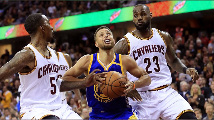 Stephen Curry and LeBron James face off at 2017 NBA Finals