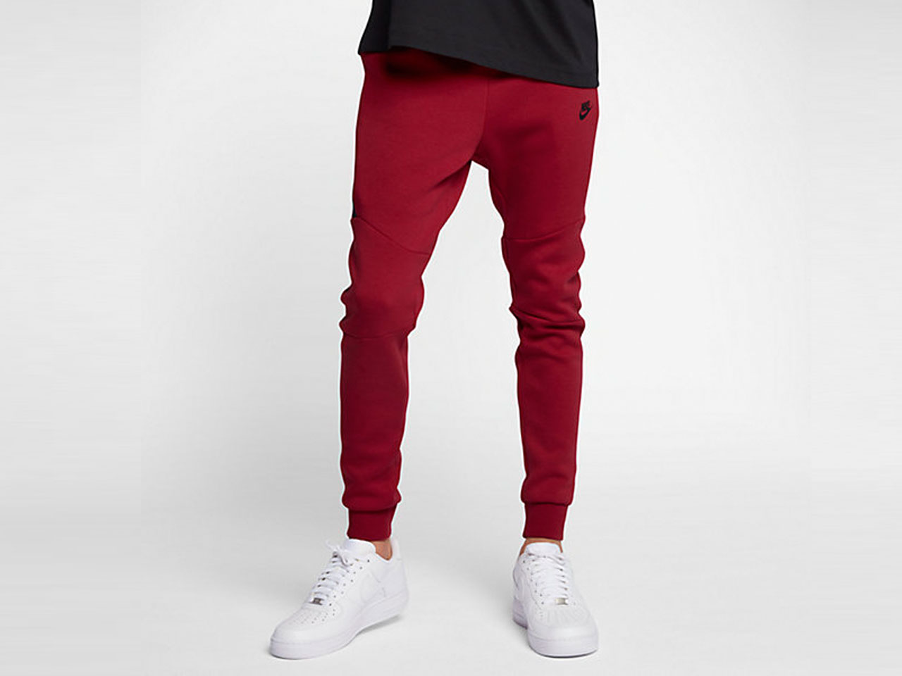 ba6b2e31e770 The Best Sweatpants to Keep you Looking Cool in Fall 2017