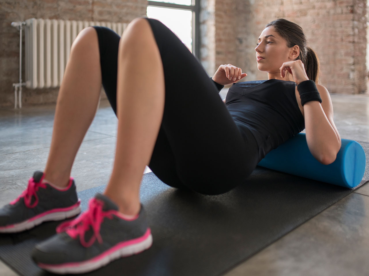 photo Why Foam Rolling Before Bed Can Relieve Stress and Help You Sleep Better